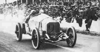 Победителем Большого Приза АКФ 1914 года стал Кристиан Лаутеншлаггер на Mercedes 4,5 L. - Velky