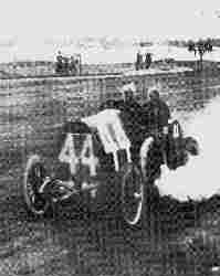 Фирма FIAT решила не бойкотировать автомобильные состязания и продолжала стартовать в гонках за