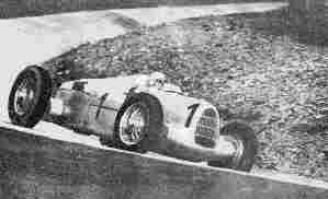 Лучший гонщик 30-х годов, чемпион Европы 1932 и 1933 гг. итальянец Тацио Нуволари