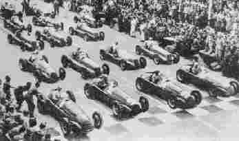 Бесспорными фаворитами гоночных трасс 1947 - 1948 гг. были Alfa-Romeo 158 (Alfetta). Первый ряд